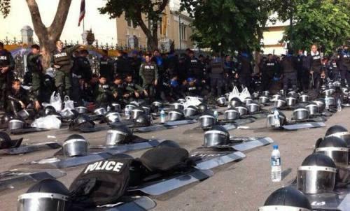 polizia seduta